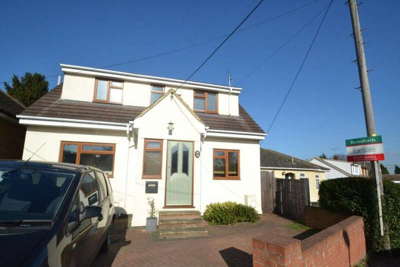 3 Bedrooms Detached House for sale in Thynne Road, Billericay, Essex, CM11