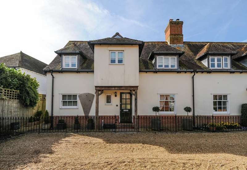 3 Bedrooms Semi Detached House for sale in Oving, nr Chichester