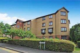 1 Bedroom Ground Flat for sale in Wroxall Court, Linnet Way, Purfleet RM19