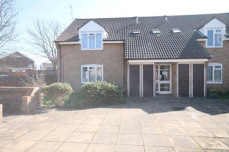 2 Bedrooms Ground Flat for sale in Courtfields, Elm Grove, Lancing, BN15 8PA