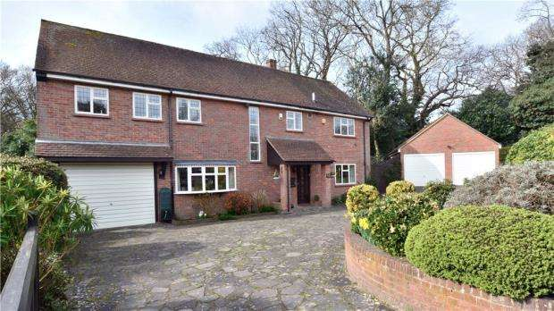 4 Bedrooms Detached House for sale in Denham Green Lane, Denham Green, Buckinghamshire