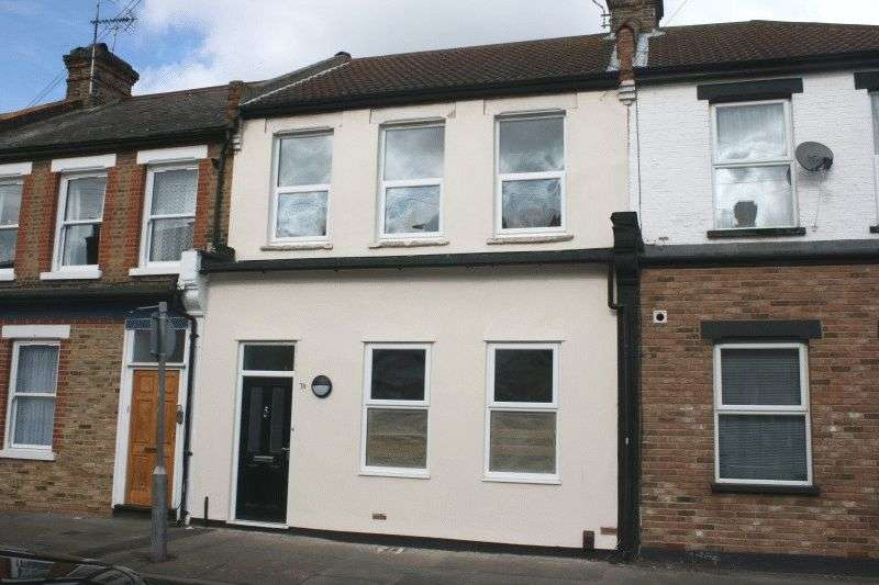 2 Bedrooms Flat for sale in Queens Road, Southend-On-Sea