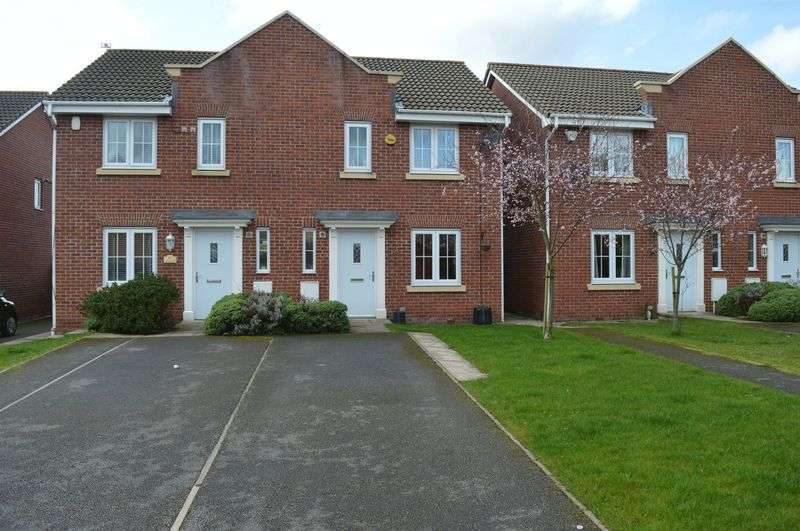 3 Bedrooms Semi Detached House for sale in Ferndale, Hyde
