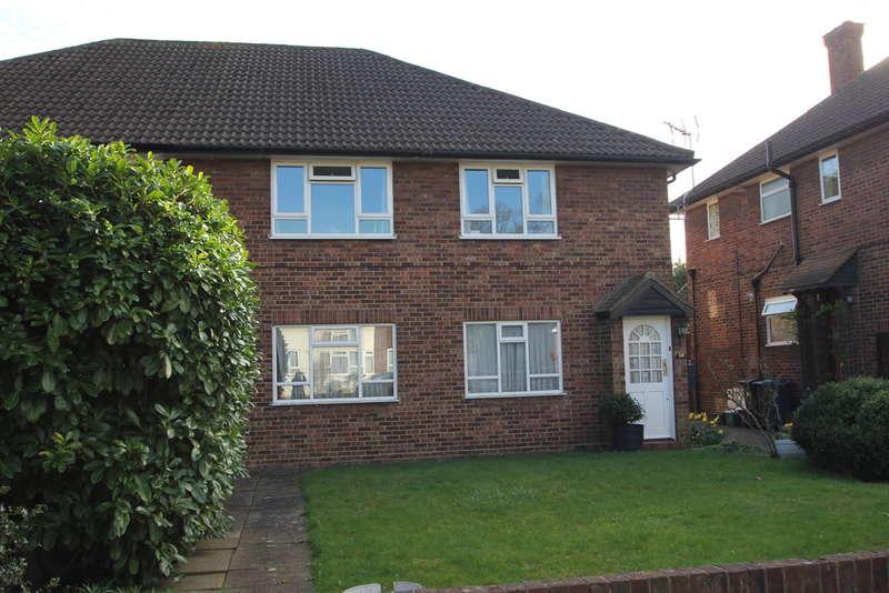2 Bedrooms Maisonette Flat for sale in Shrewsbury Close, Surbiton
