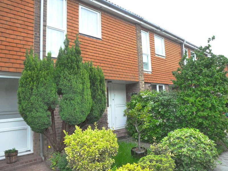 3 Bedrooms Terraced House for sale in Sorrel Bank, Linton Glade, Croydon, CR0 9LW