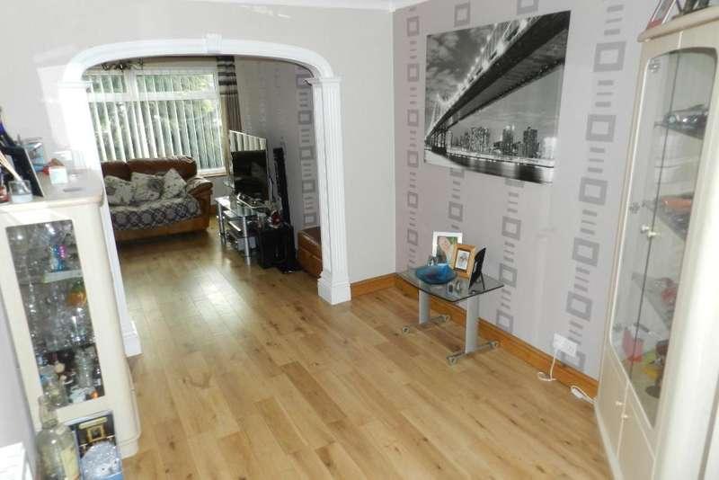 3 Bedrooms Semi Detached House for sale in Scott Road, Lowton, Warrington, WA3 2JG
