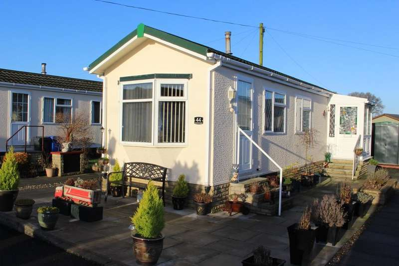 2 Bedrooms Park Home Mobile Home for sale in WV1002, Garstang, Lancashire, PR3 1PL