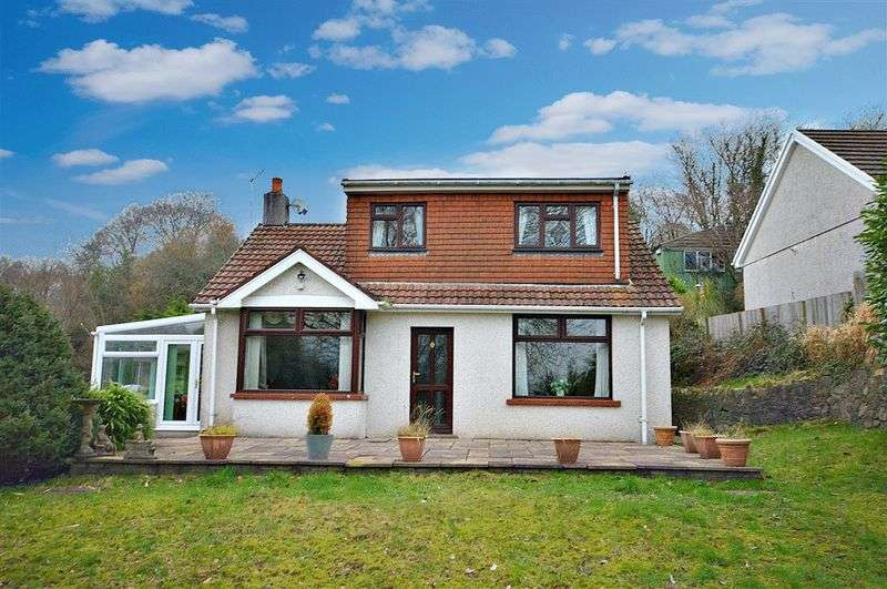 3 Bedrooms Detached Bungalow for sale in Church Lane, Pontypool