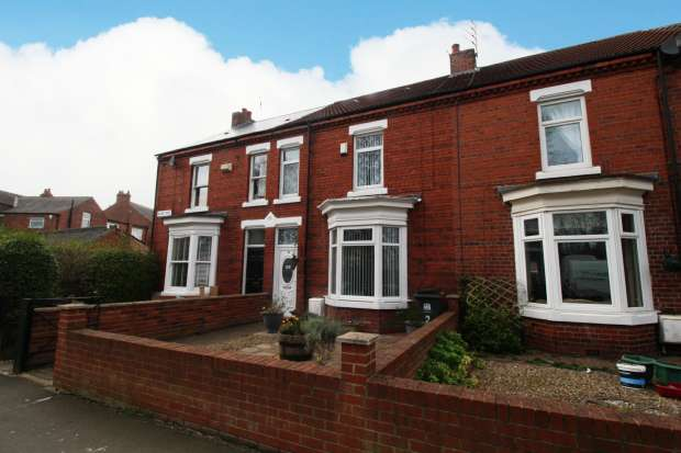 3 Bedrooms Terraced House for sale in Glebe Road, Darlington, Durham, DL1 3DY
