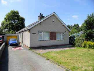 3 Bedrooms Detached Bungalow for sale in Cae Cilmelyn, BANGOR LL57