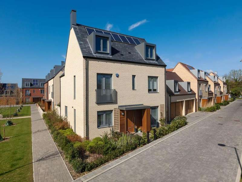 5 Bedrooms House for rent in Piper Road, Trumpington, Cambridge