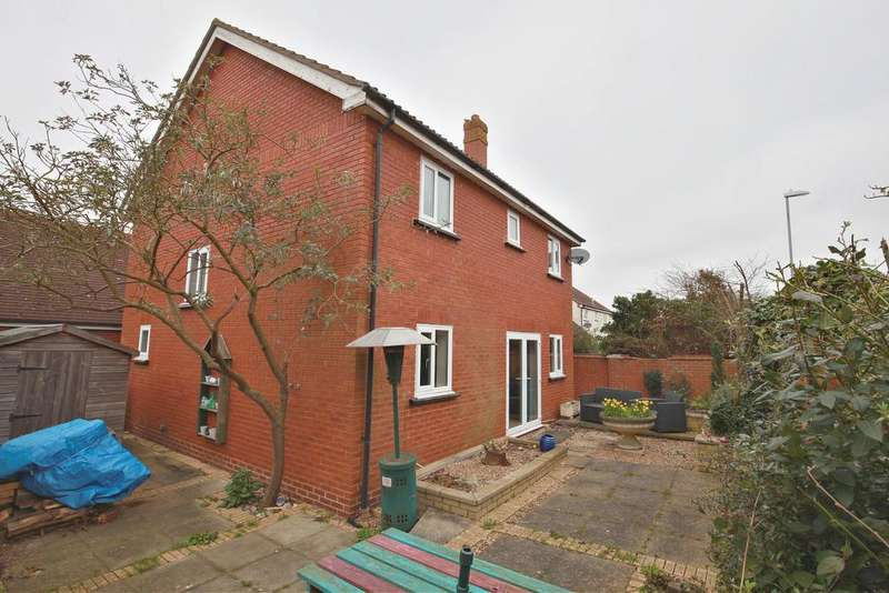 4 Bedrooms Detached House for sale in Priors Way, Coggeshall, Colne Valley