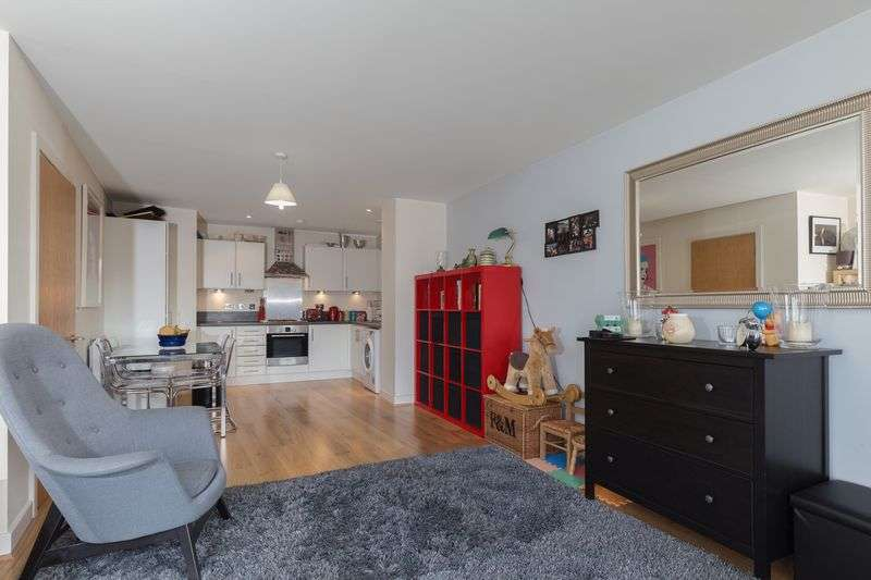 1 Bedroom Flat for sale in Leamore Court, 1 Meath Crescent, London