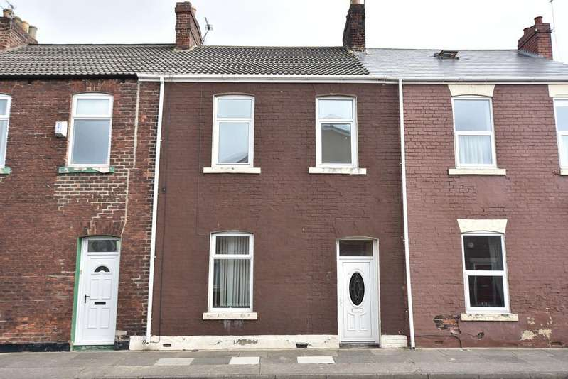 3 Bedrooms Terraced House for sale in Gladstone Street, Roker