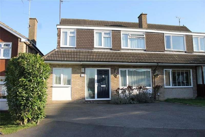 4 Bedrooms Semi Detached House for sale in Barn Mead, Doddinghurst, Brentwood, Essex, CM15
