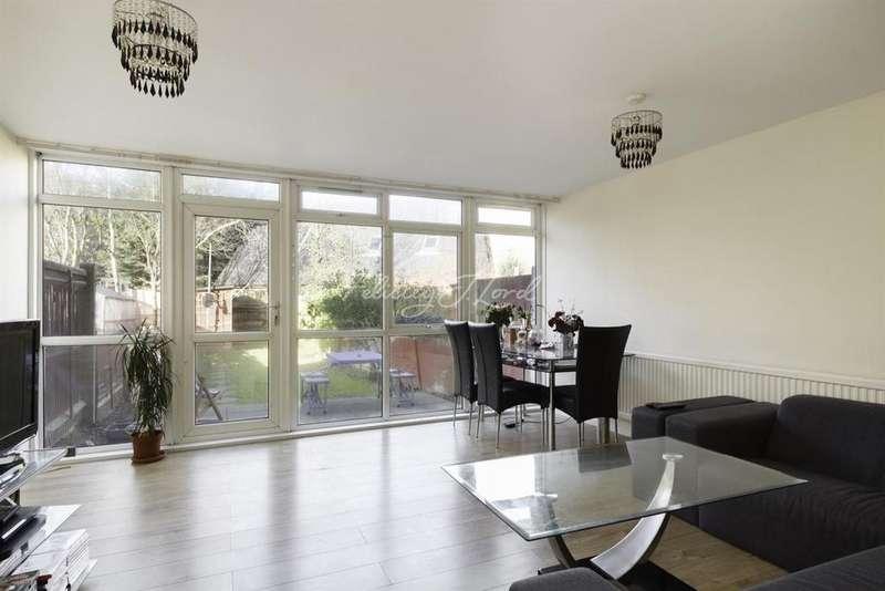 3 Bedrooms Terraced House for sale in Dornberg Close, Blackheath, SE3