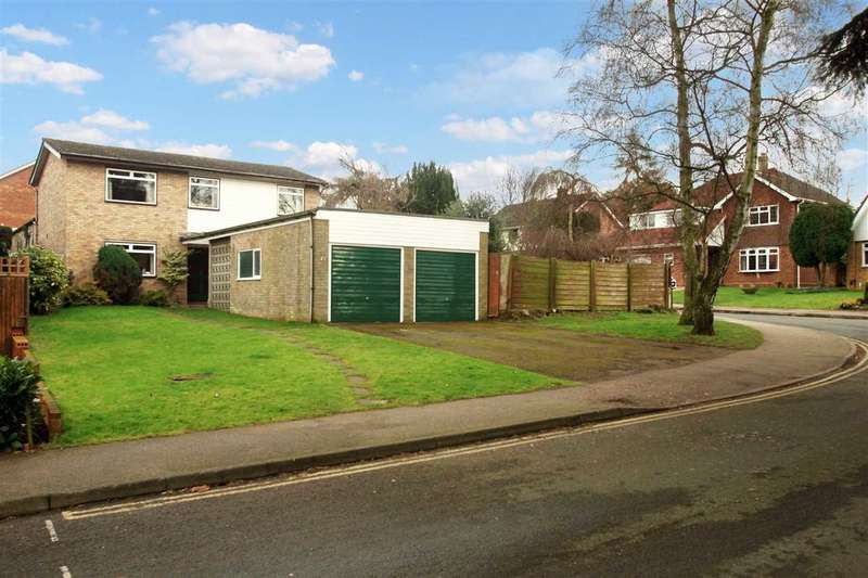 5 Bedrooms Detached House for sale in Oaks Drive, Lexden, Colchester
