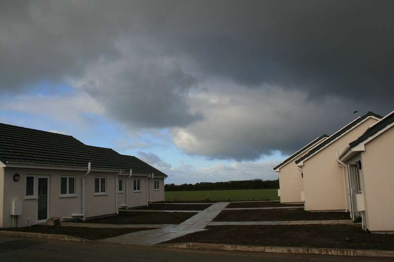 2 Bedrooms Terraced Bungalow for sale in St. Merryn Holiday Village, St. Merryn
