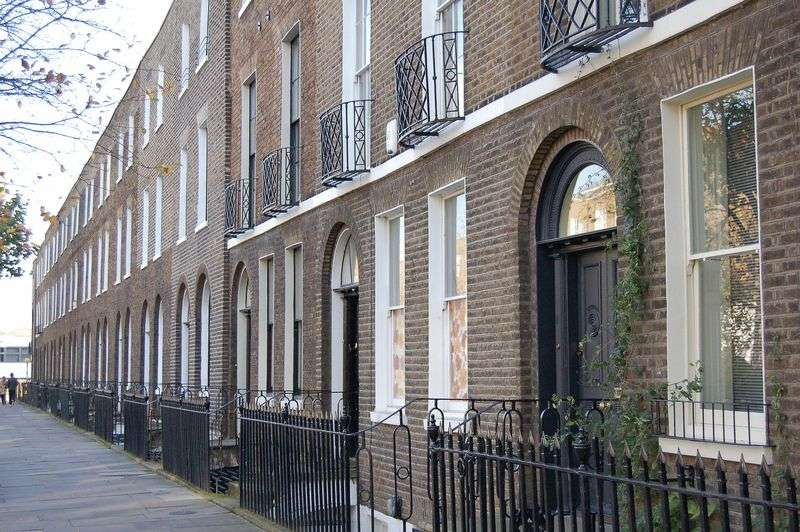 4 Bedrooms Terraced House for sale in Sutton Place, London, E9