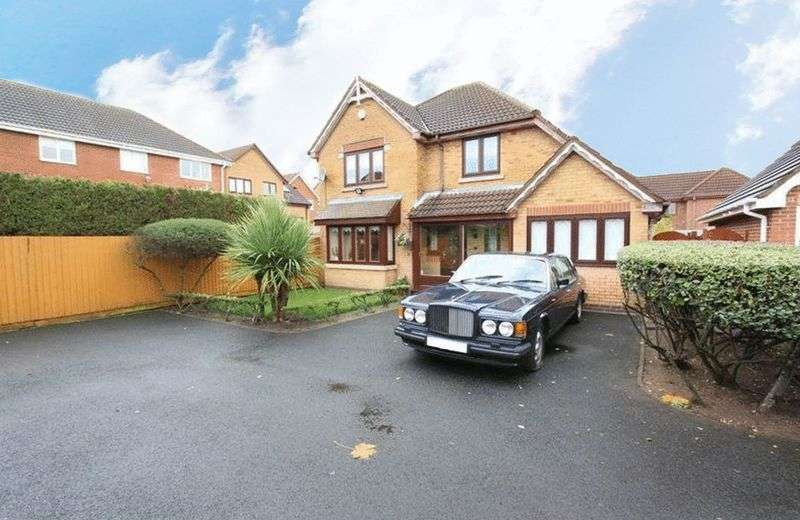 4 Bedrooms Detached House for sale in Standbridge Way, Tipton