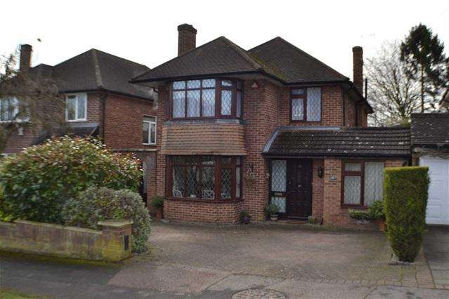 4 Bedrooms House for sale in Newberries Avenue, Radlett