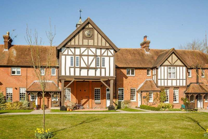 4 Bedrooms Terraced House for sale in Stable Cottages, Hadham Hall, Little Hadham, Ware, SG11