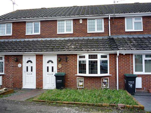 3 Bedrooms Terraced House for sale in Artillery Row, Gravesend