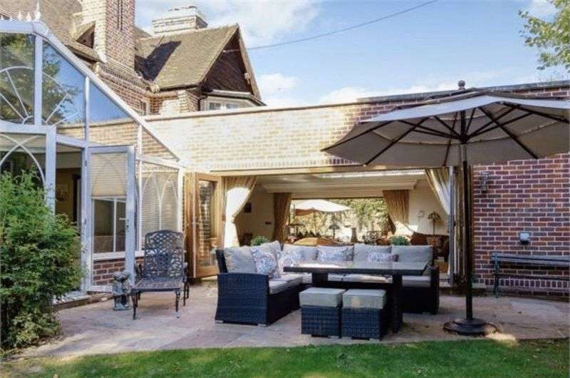 6 Bedrooms Detached House for sale in Stunning Detached Mansion in Stockwood