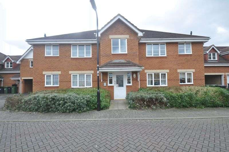 2 Bedrooms Flat for sale in George Wright Close, Eastleigh