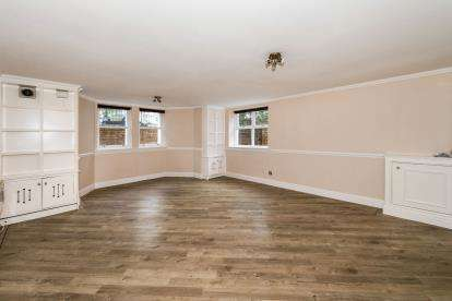 2 Bedrooms Flat for sale in Aigburth Drive, Liverpool, Merseyside, L17