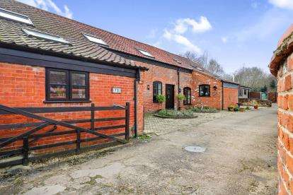 6 Bedrooms Barn Conversion Character Property for sale in The Street, Bramerton, Norwich