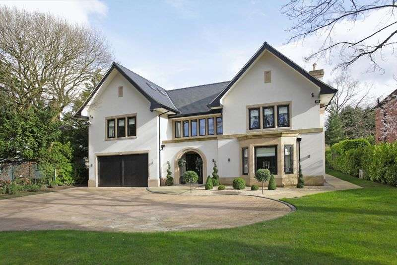6 Bedrooms Detached House for sale in Carrwood, Hale Barns