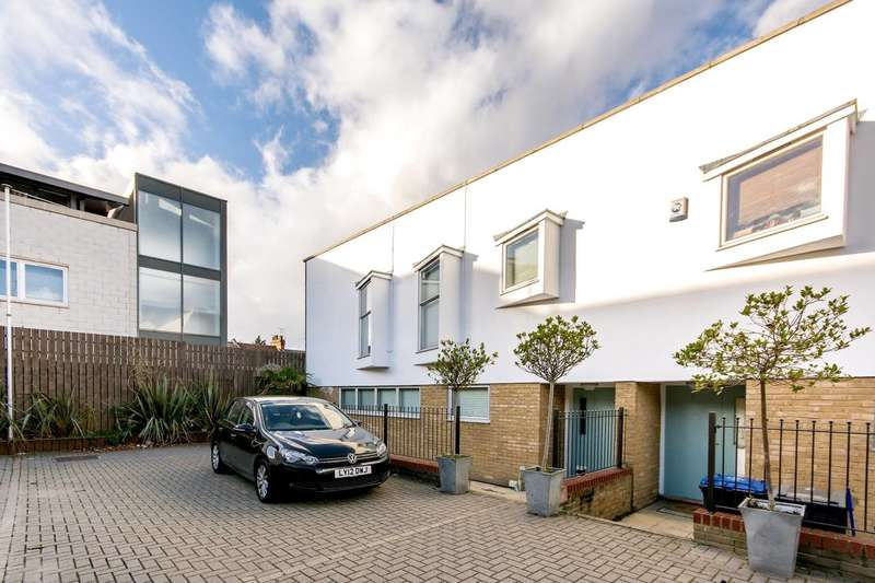 3 Bedrooms Mews House for sale in Harlesden Road, Willesden, NW10