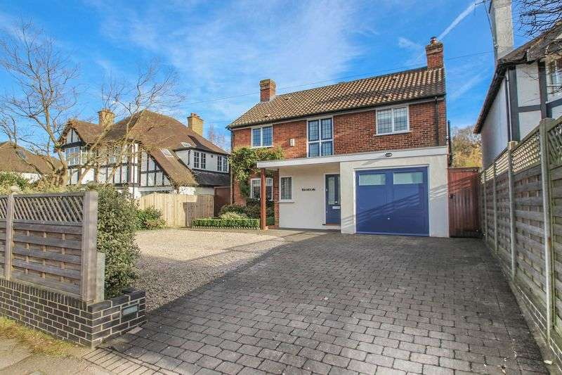4 Bedrooms Detached House for sale in The Causeway, Claygate, Esher