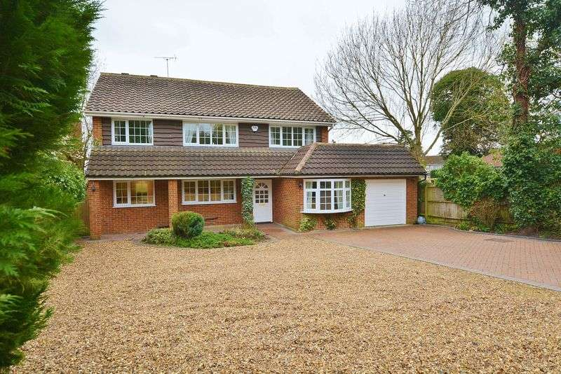 5 Bedrooms Detached House for sale in Farnham Common