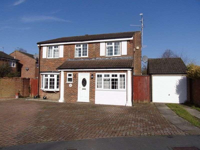 5 Bedrooms Detached House for sale in Groombridge Way, Horsham