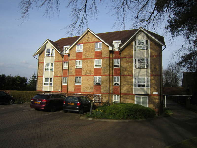 2 Bedrooms Apartment Flat for sale in London Road, Maidstone