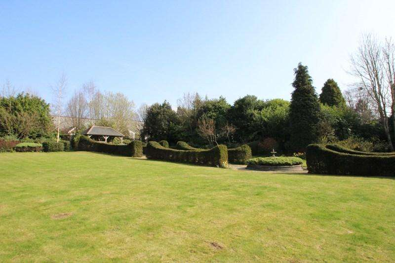 3 Bedrooms Apartment Flat for sale in Hassocks Road, Hurstpierpoint, Hassocks