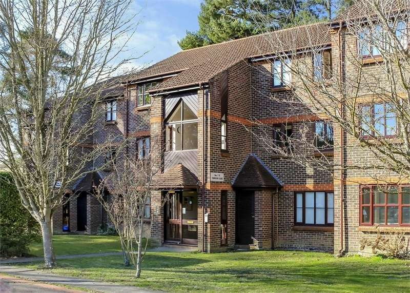 1 Bedroom Flat for sale in Townsend Close, Forest Park, Bracknell, Berkshire