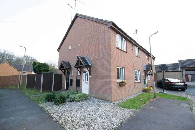 1 Bedroom Terraced House for sale in Mosbach Gardens, Hutton, Brentwood, Essex, CM13