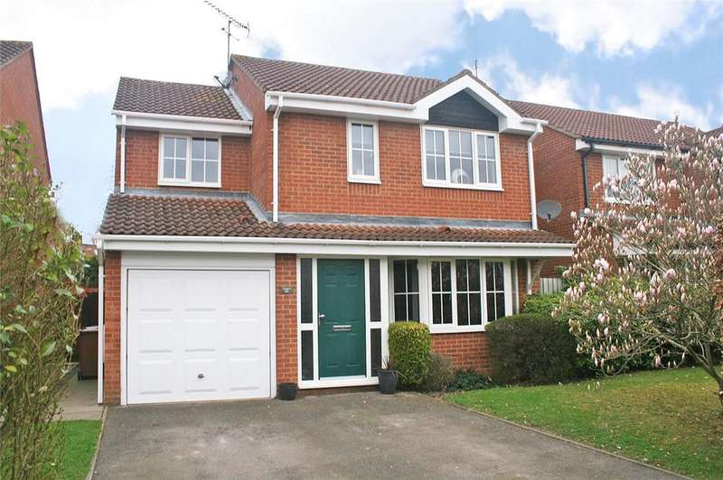 4 Bedrooms Detached House for sale in Gresley Close, Welwyn Garden City, Hertfordshire