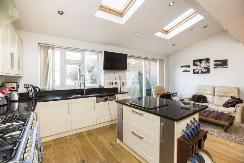 4 Bedrooms Semi Detached House for sale in Minchenden Estate, Southgate, N14