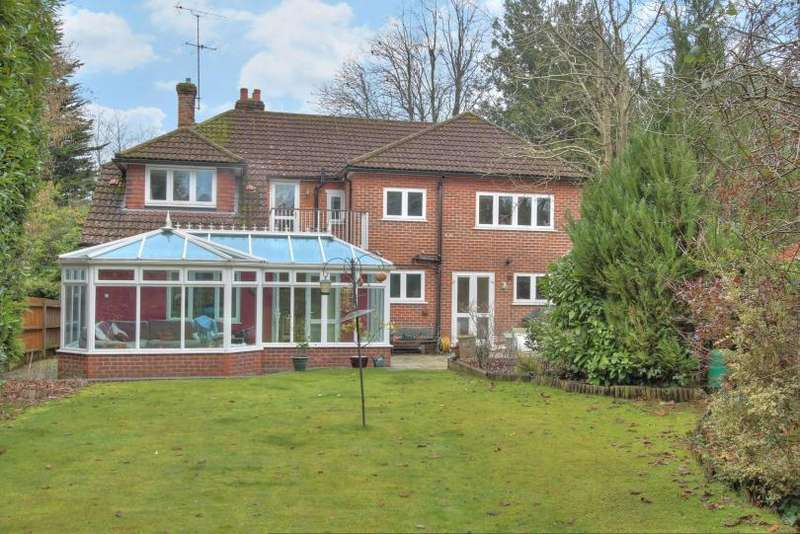 5 Bedrooms Detached House for sale in Park Road, Chandlers Ford