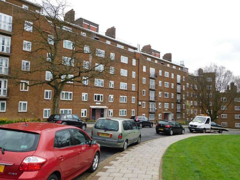 3 Bedrooms Flat for sale in Perth Court, Denmark Hill, London, SE5 8HX