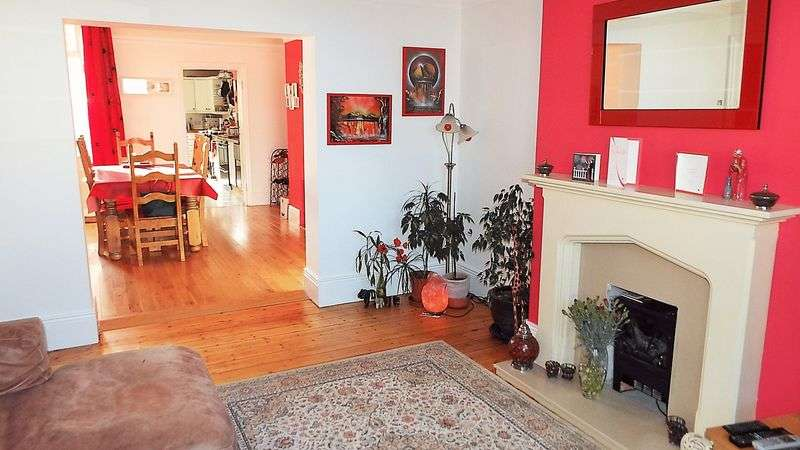 3 Bedrooms House for sale in Lansdowne Terrace, North Shields