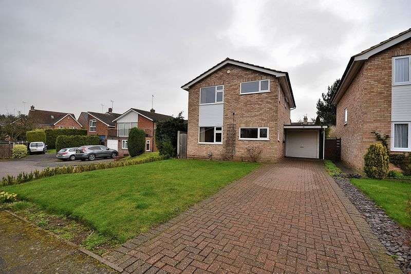4 Bedrooms Detached House for sale in Wentworth Drive, Leighton Buzzard