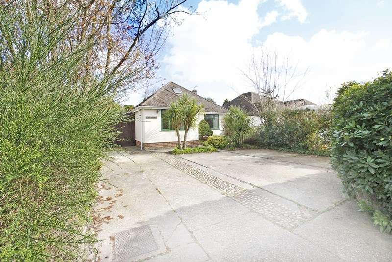 3 Bedrooms Chalet House for sale in West Road, Bransgore, Christchurch