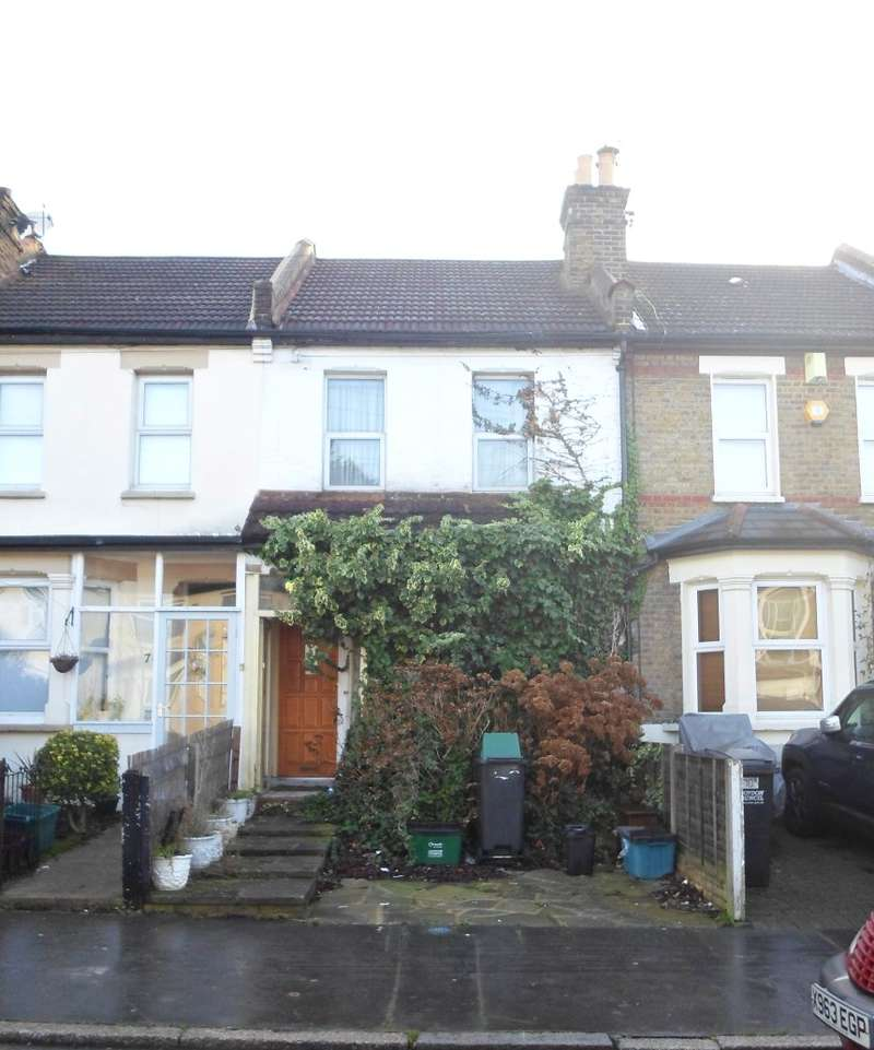 2 Bedrooms Terraced House for sale in Moffat Road, Thornton Heath, Surrey, CR7 8PU
