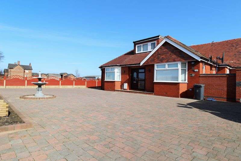 5 Bedrooms Detached Bungalow for sale in Square House Lane, Banks, Southport