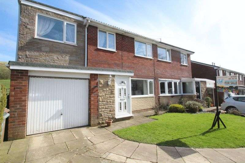 4 Bedrooms Semi Detached House for sale in Crossfield Close, Wardle OL12 9JP